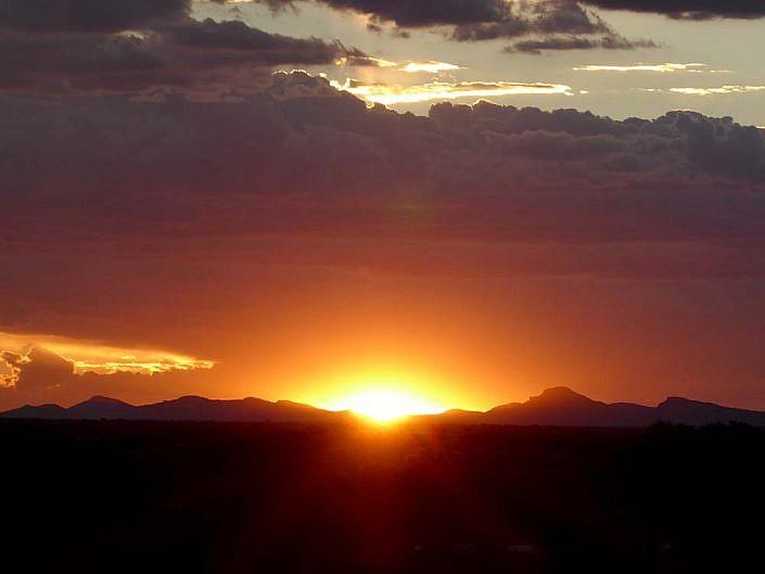Sonnenuntergang in der Kalahari.