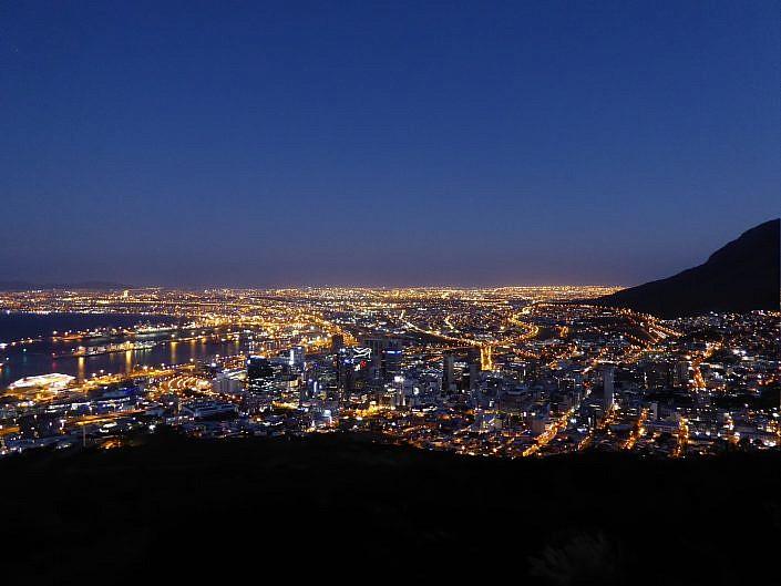 Kapstadt bei Nacht.